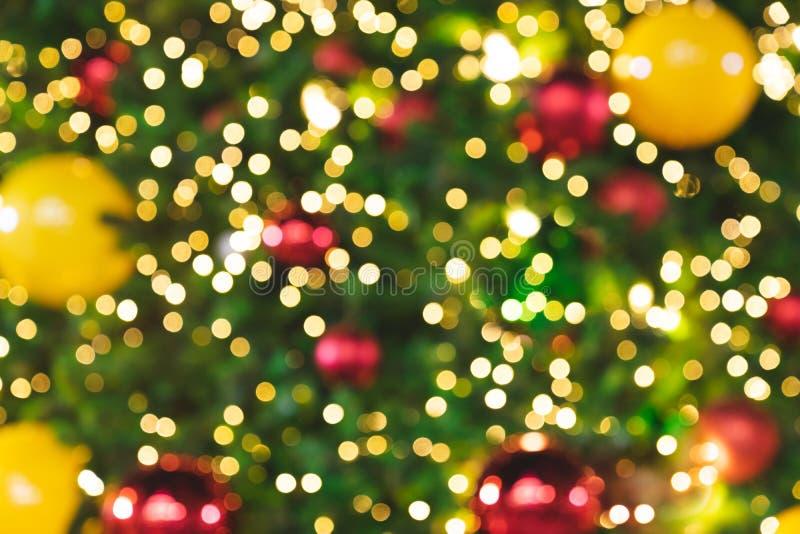 Luces que brillan borrosas del fondo de Bokeh del árbol de navidad fotos de archivo