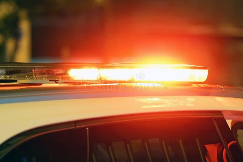 Luces rojas encima del coche policía fotografía de archivo