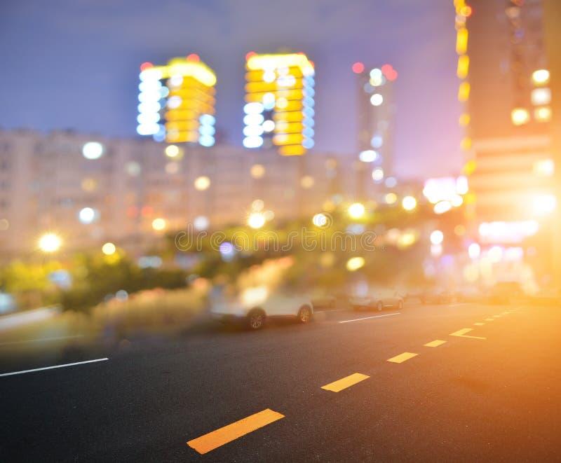 Luces y camino de la noche imagen de archivo libre de regalías