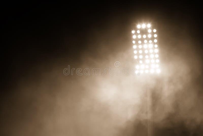 Luces y humo del estadio fotos de archivo