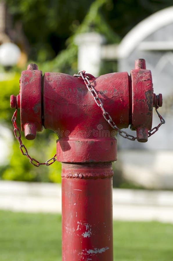Lucha contra el fuego de la conexión de la manguera de la boca de incendios fotografía de archivo