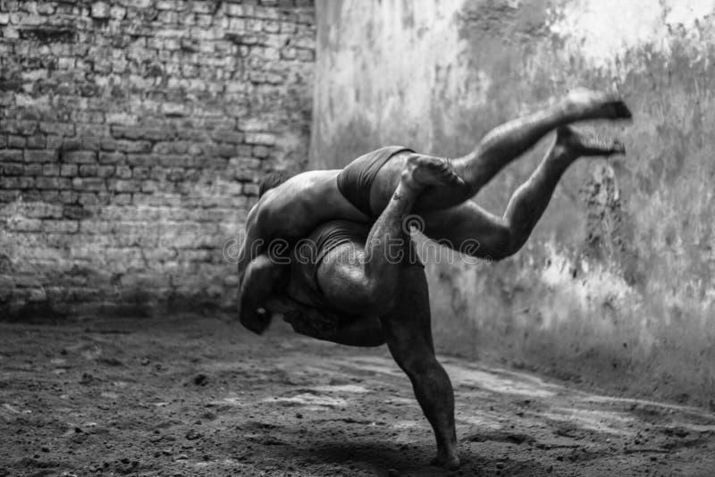 Lucha tradicional paquistaní foto de archivo libre de regalías