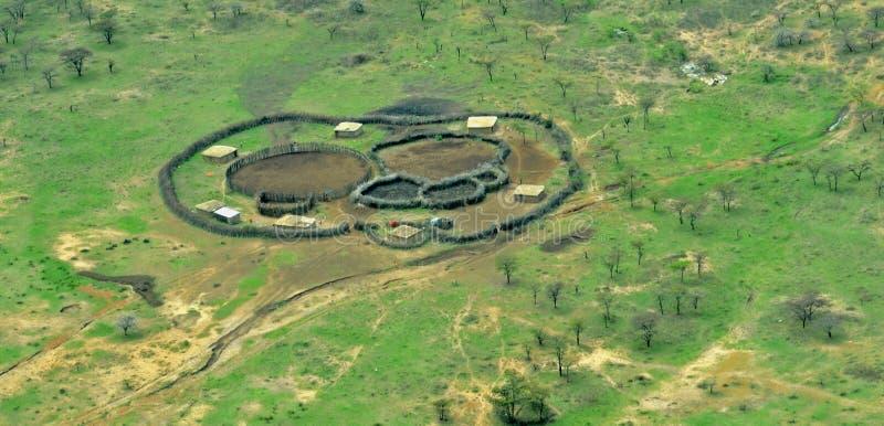 Lucht Afrikaans Masai-Dorp stock afbeeldingen