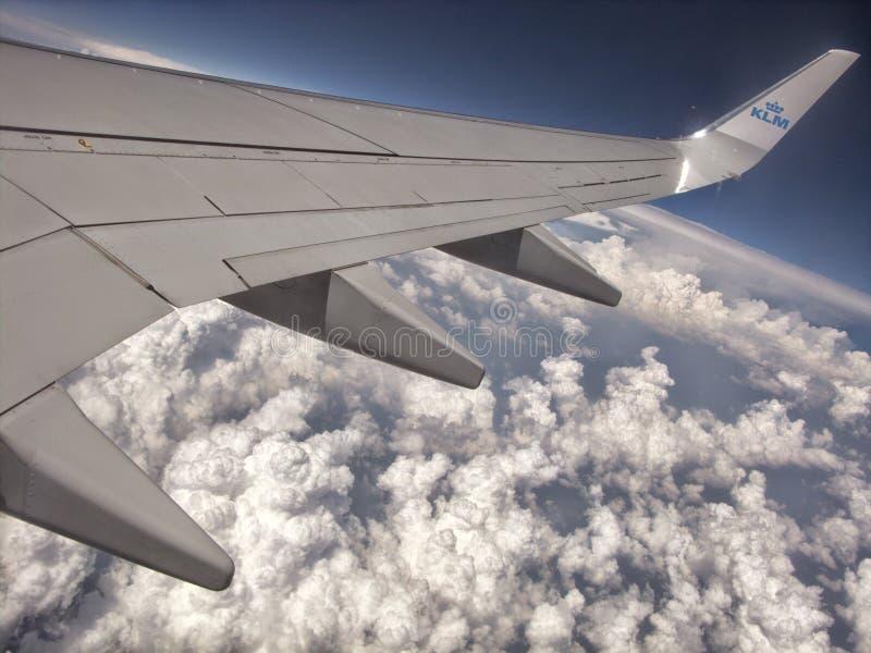 Lucht die door KLM Boeing 747 reizen stock afbeeldingen