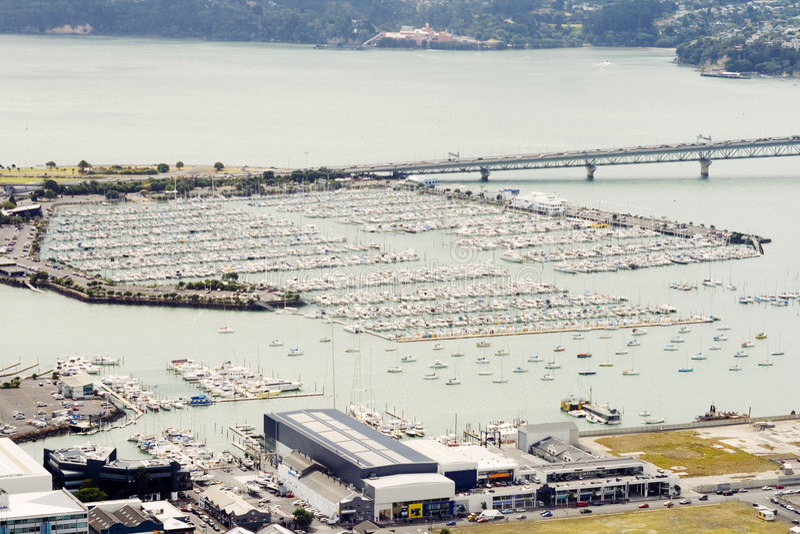 Lucht mening over jachthaven van Auckland royalty-vrije stock foto