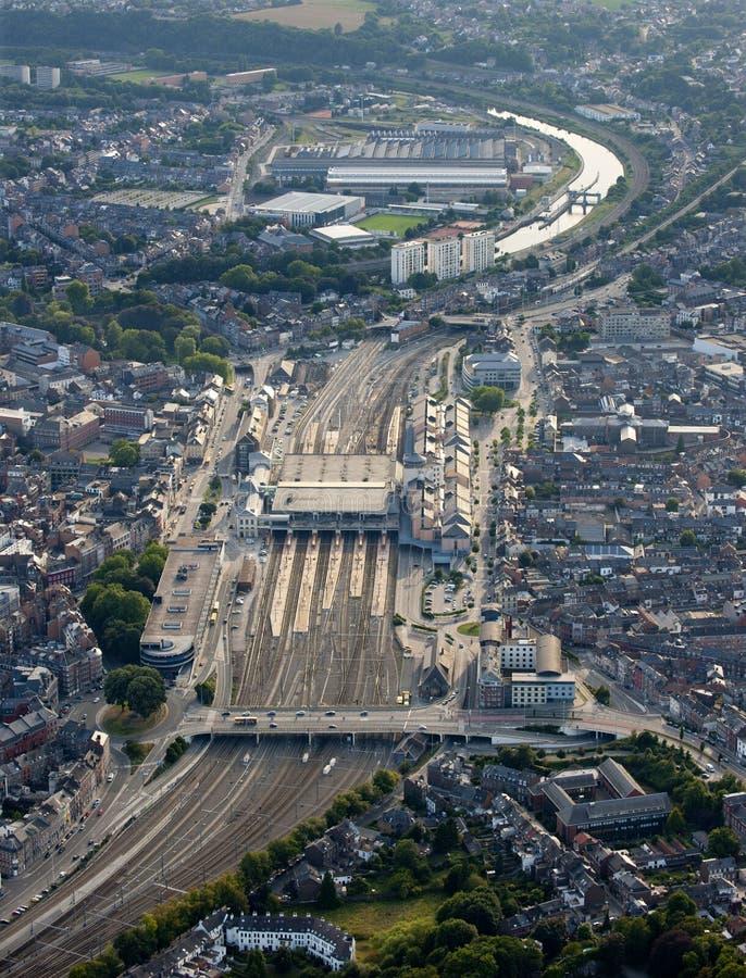 Download Lucht Mening: Station In Een Stad Stock Foto - Afbeelding bestaande uit stad, verticaal: 10781738