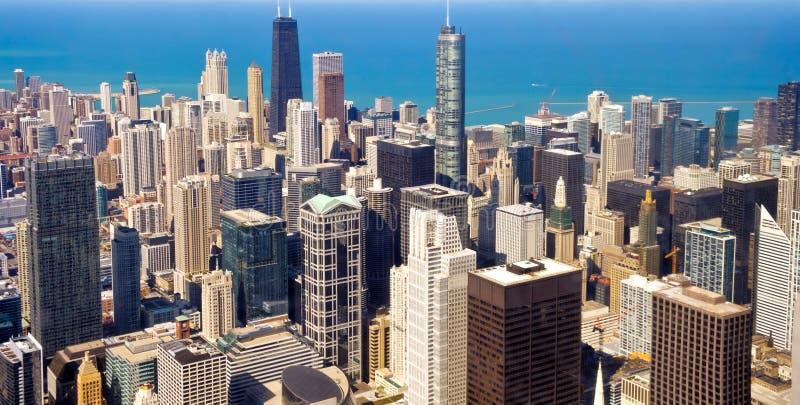 Lucht mening van Chicago de stad in stock afbeeldingen