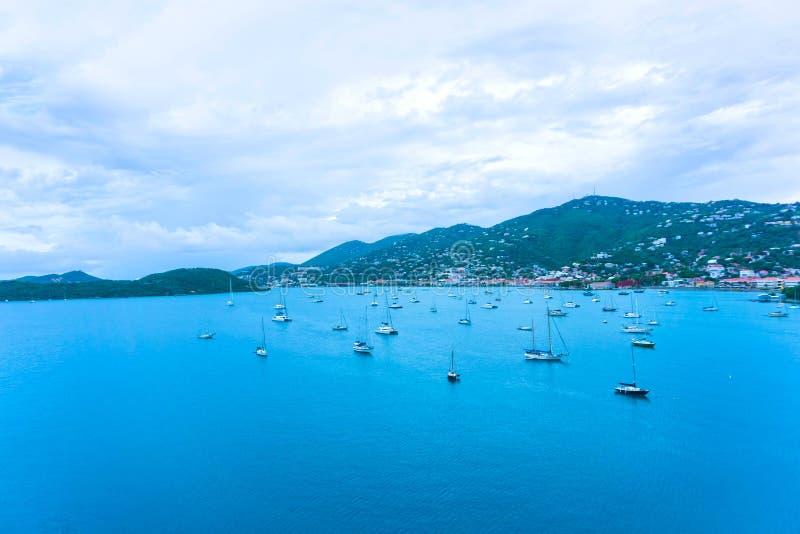 Lucht mening van het eiland van St Thomas, USVI Charlotte Amalie stock foto