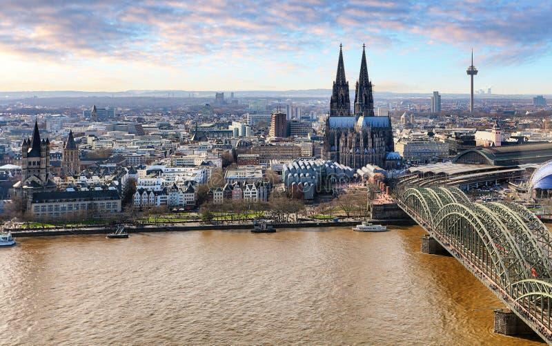 Lucht mening van Keulen, Duitsland royalty-vrije stock foto