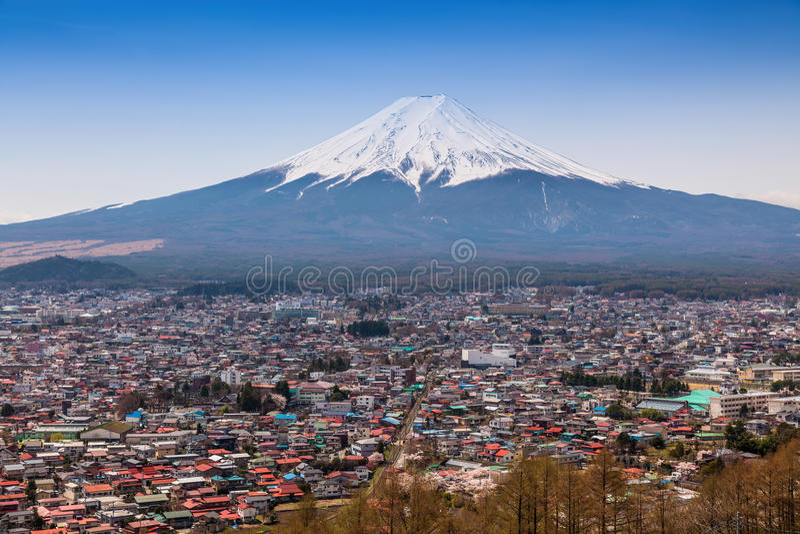 Download Lucht Mening Van MT Fuji, Fujiyoshida, Japan Stock Afbeelding - Afbeelding bestaande uit bovenkant, nave: 54083987