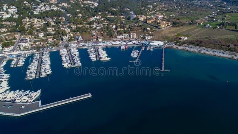 Lucht panoramisch van het binnenstee gedeelte van de haven royalty-vrije stock afbeelding