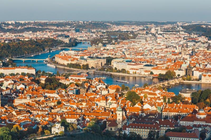 Lucht Tsjechische mening van oude stad in Praag, stock fotografie
