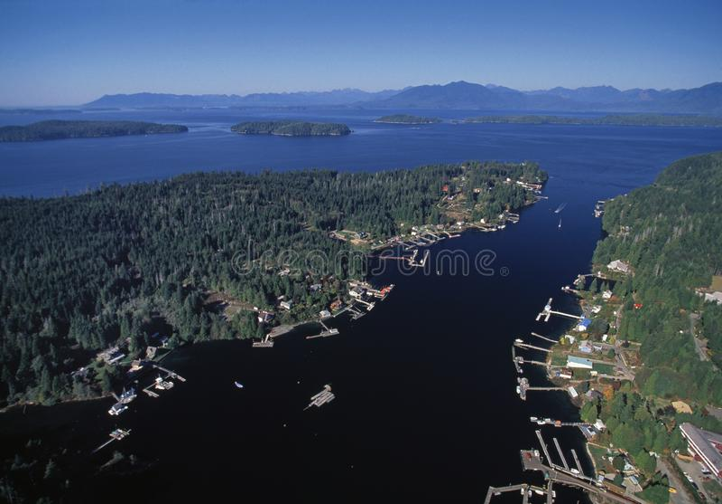 Luchtbeeld van Bamfield, BC, Canada royalty-vrije stock foto's