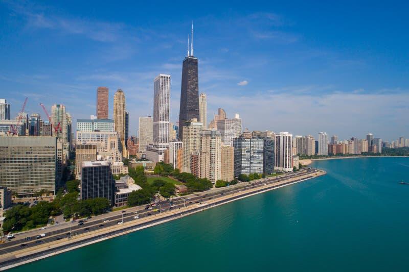 Luchtbeeld van de Aandrijving van de het Meerkust van Chicago stock afbeeldingen