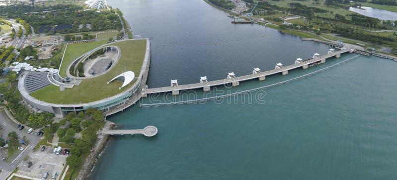 Luchtbeeld van Marina Barrage stock afbeeldingen