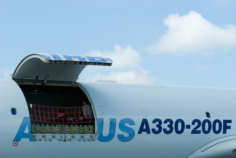 Luchtbus A330-200F in Singapore Airshow 2010 stock foto's