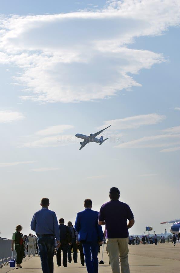 Luchtbus A350-900 bij de Internationale Ruimtevaartsalon van MAKS royalty-vrije stock afbeeldingen