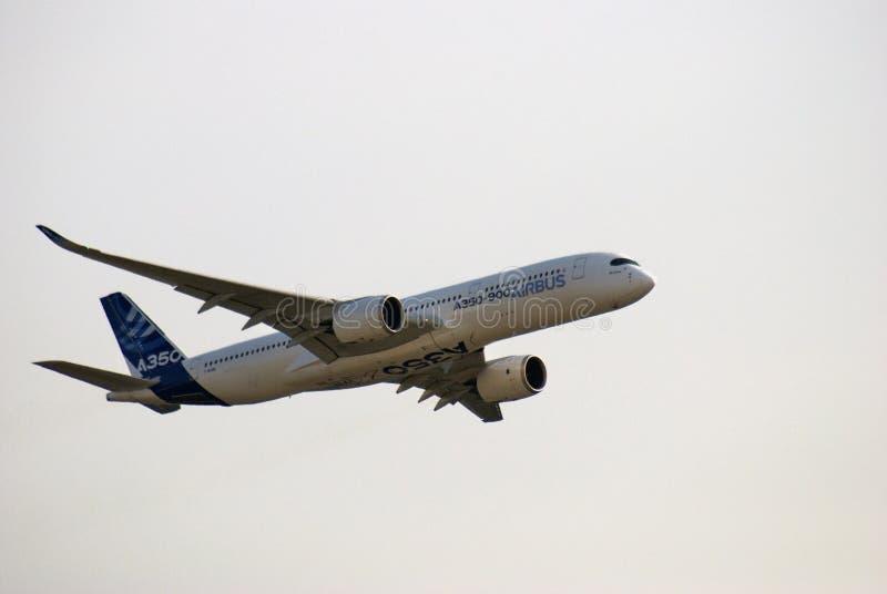 Luchtbus A350 bij de Internationale Ruimtevaartsalon van MAKS stock foto's