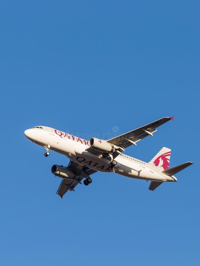 Luchtbus A320, de luchtvaartlijn Qatar Airways stock afbeeldingen
