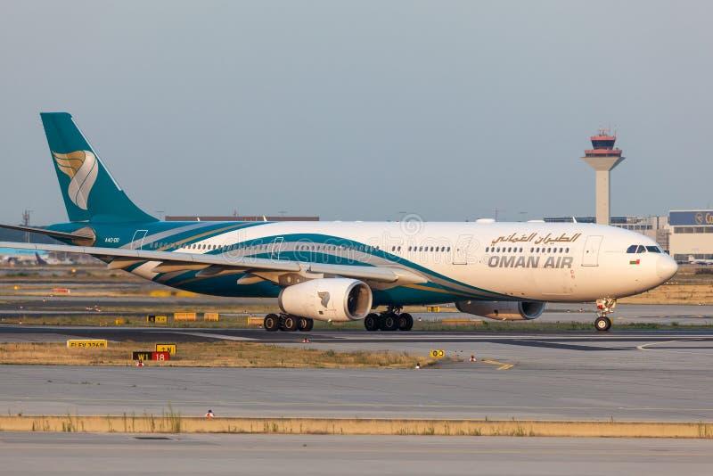 Luchtbus A330-300 van Oman Air royalty-vrije stock foto