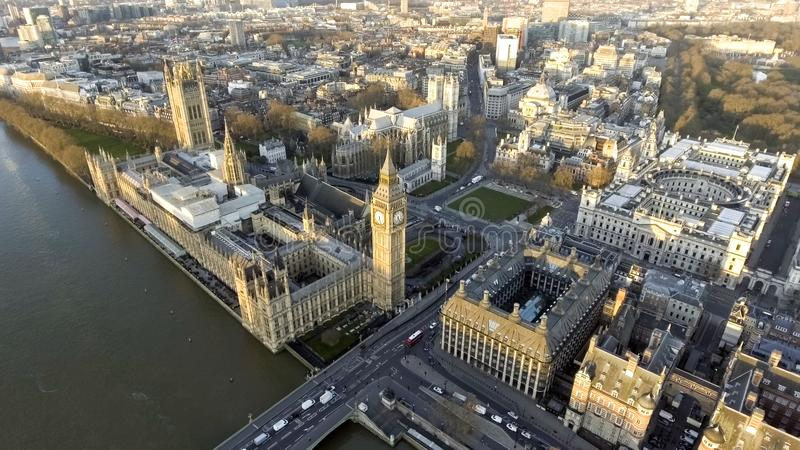 Luchtcityscape van Londen met Oriëntatiepunten Theems, Groot Ben Clock Tower stock foto's