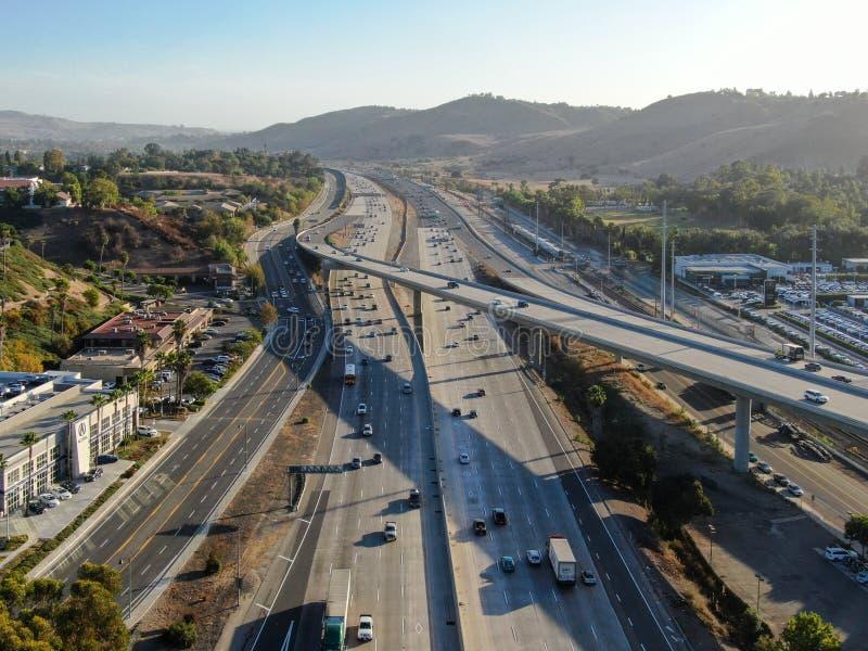 Luchtfoto van de snelweg San Diego stock foto