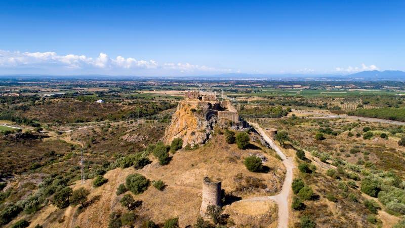Luchtfoto van het Quermanco-kasteel in Vilajuiga royalty-vrije stock foto's