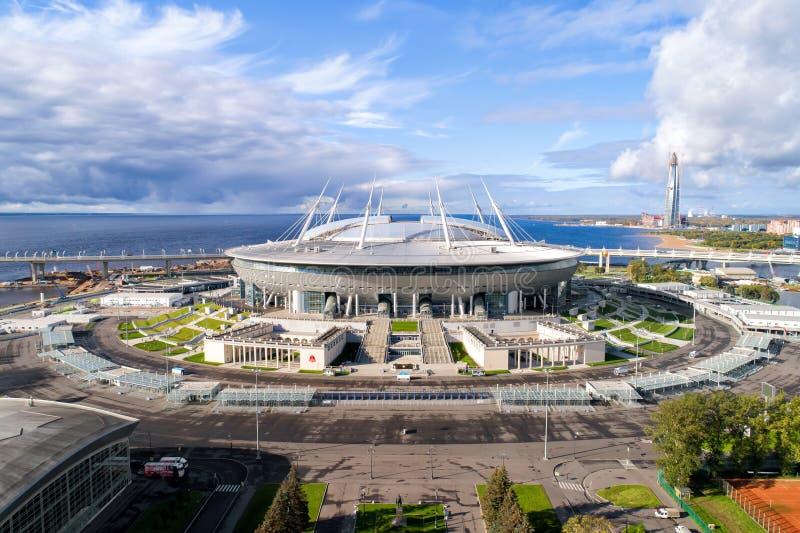 Luchtfoto van het stadion van Heilige Petersburg, ook genoemd Zenit-Arena stock foto's