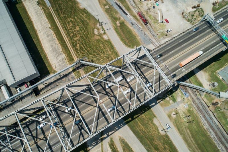 Luchtfoto van Horace Wilkinson Bridge over de Mississippi stock afbeelding