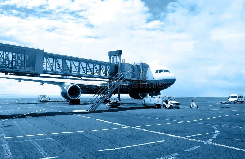 Download Luchthaven #3 stock afbeelding. Afbeelding bestaande uit hoek - 284297