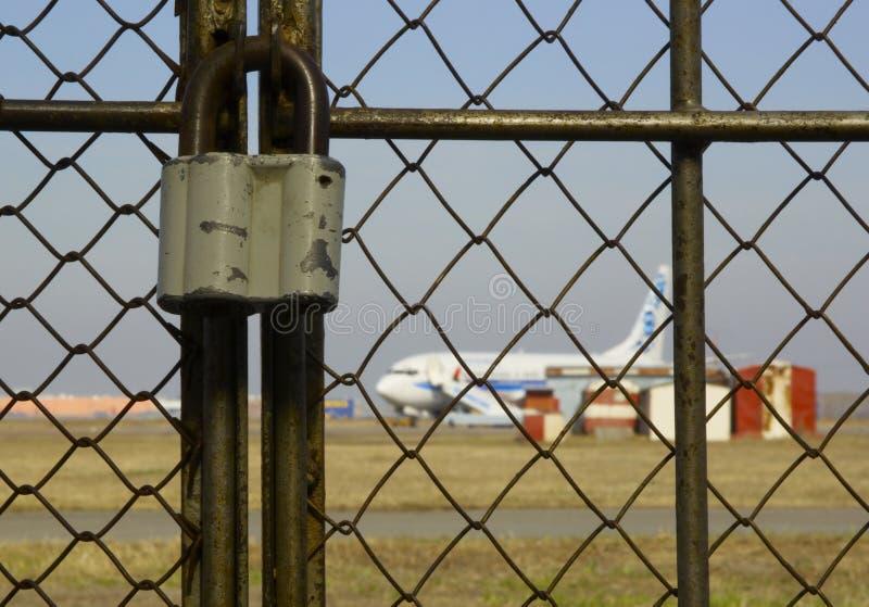 Luchthaven onder slot stock foto