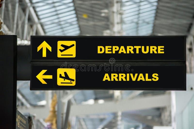 Luchthavenvertrek & de raadsteken van de Aankomstinformatie in einda royalty-vrije stock afbeelding
