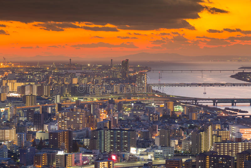 Luchtmening, de stad van Osaka de stad in stock afbeeldingen