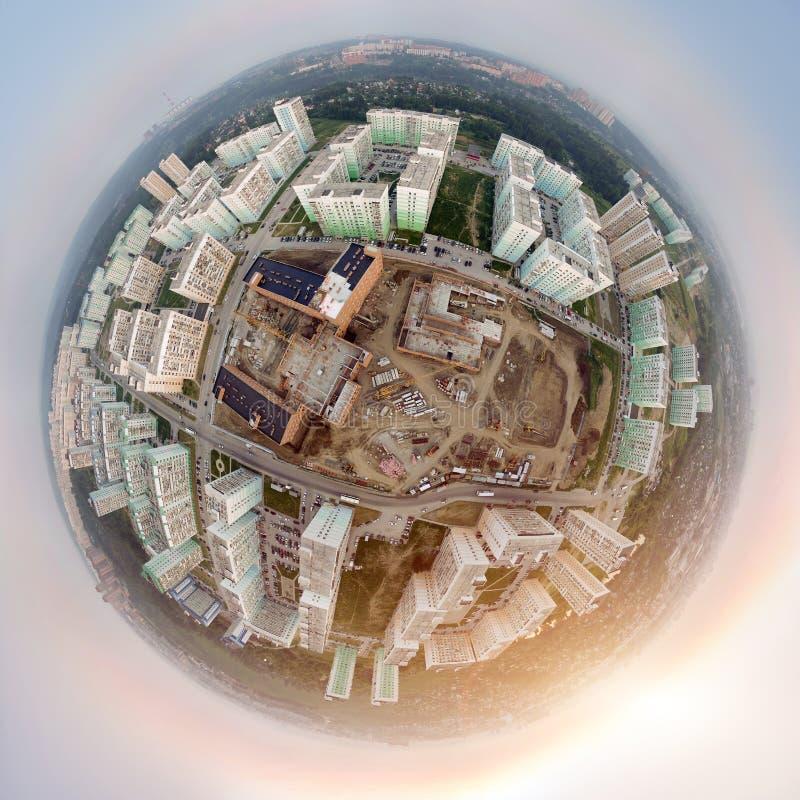 Luchtmening: moderne stad stock afbeeldingen