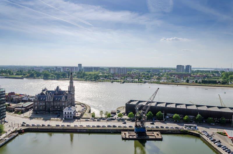 Luchtmening over de stad van Antwerpen in België stock fotografie