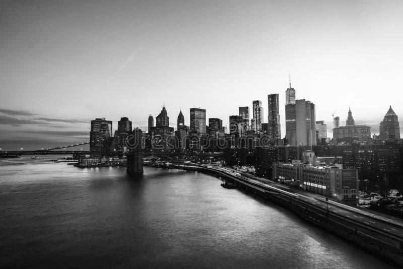 Luchtmening over de stadshorizon in de Stad van New York, de V.S. bij nacht Beroemde wolkenkrabbers Rebecca 36 royalty-vrije stock fotografie
