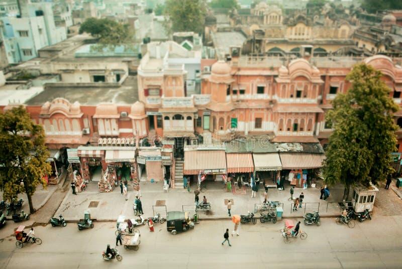 Luchtmening over de straat van historische Stad met oude gebouwen in India stock afbeeldingen