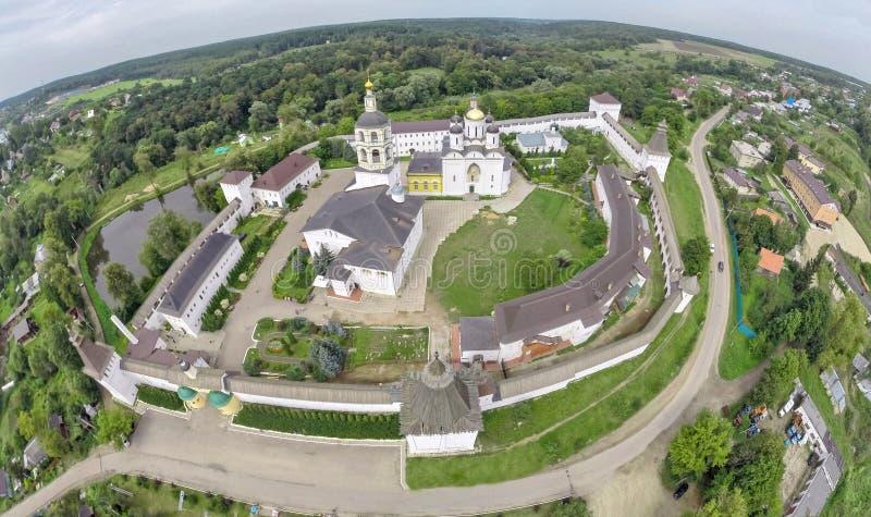 Luchtmening over Klooster dichtbij Borovsk stock afbeeldingen