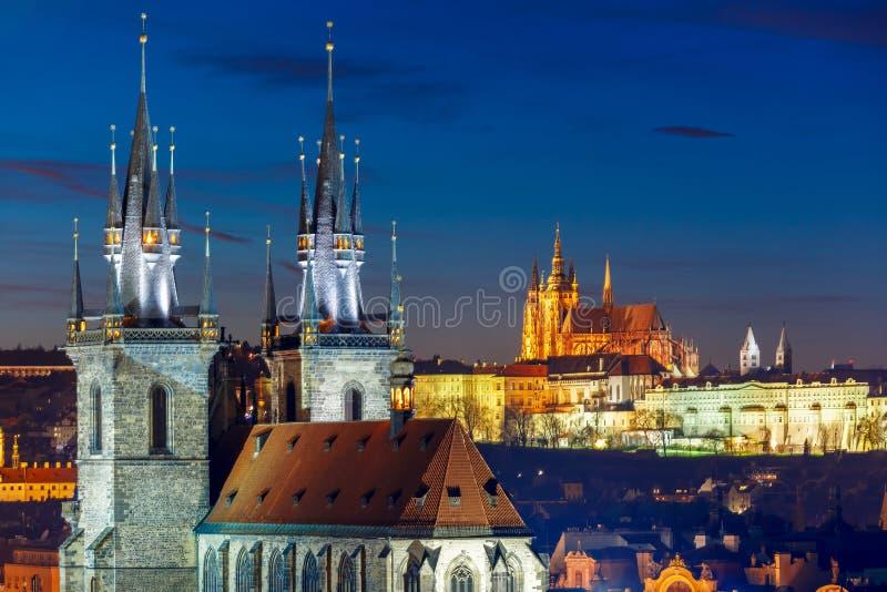 Luchtmening over Oude Stad, Praag, Tsjechische Republiek stock foto's