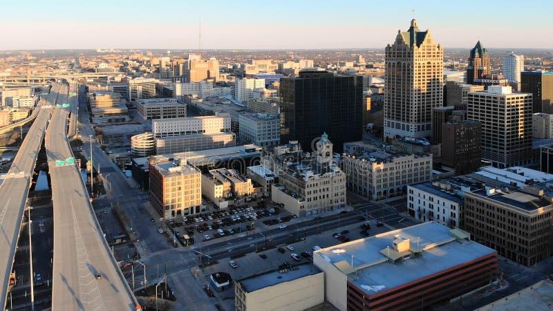 Luchtmening van Amerikaanse stad bij dageraad High-rise gebouwen, fre royalty-vrije stock foto