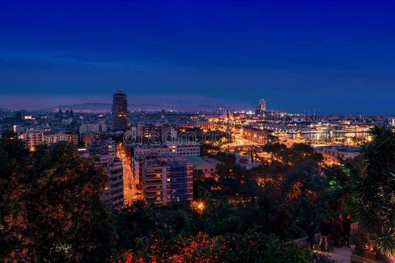 Luchtmening van Barcelona, Spanje bij nacht royalty-vrije stock afbeeldingen