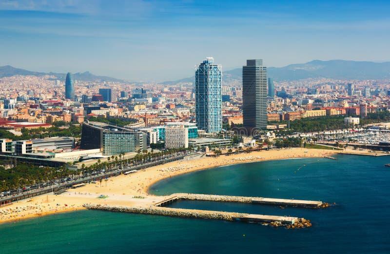 Luchtmening van Barcelona van Middellandse Zee stock foto