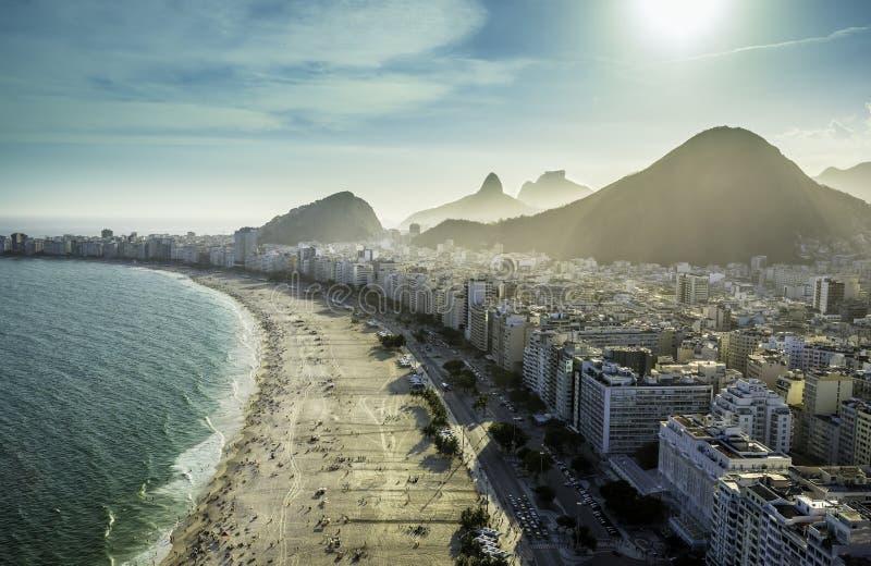 Luchtmening van beroemd Copacabana-Strand in Rio de Janeiro royalty-vrije stock fotografie