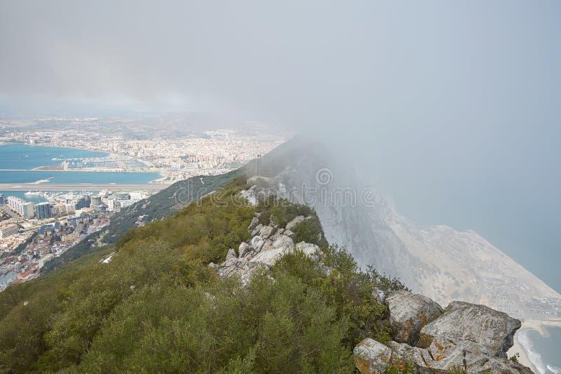 Luchtmening van bovenkant van de Rots van Gibraltar, het Verenigd Koninkrijk, het UK, Europa stock afbeeldingen