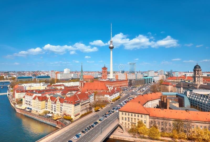 Luchtmening van centraal Berlijn op een heldere dag in de Herfst, includi royalty-vrije stock afbeeldingen
