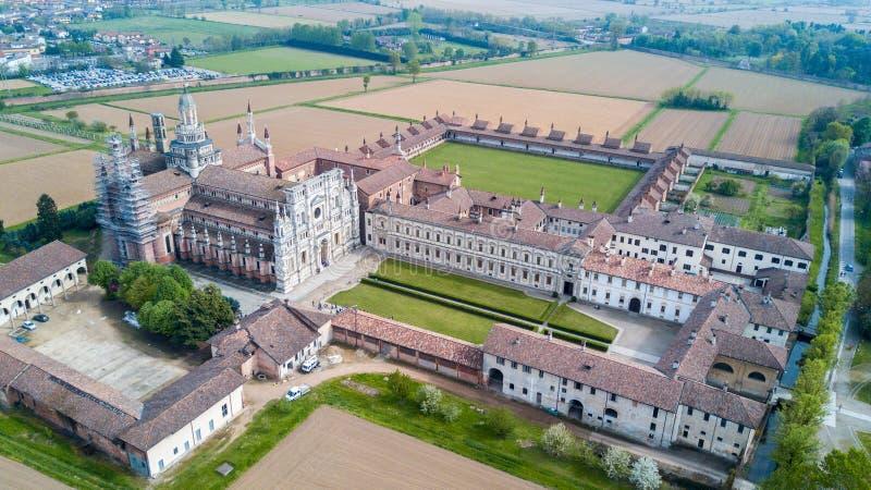 Luchtmening van Certosa-Di Pavia, het klooster en het heiligdom in de provincie van Pavia, Lombardia, Italië royalty-vrije stock foto