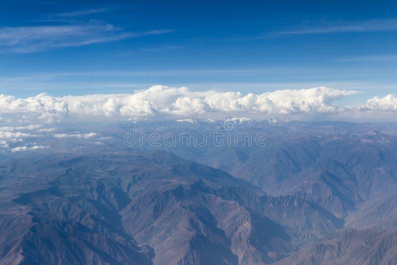 Luchtmening van de bergen van Peru royalty-vrije stock foto