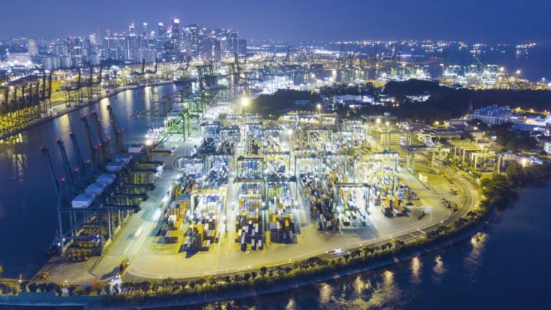 Luchtmening van de containerhaven van Singapore royalty-vrije stock fotografie