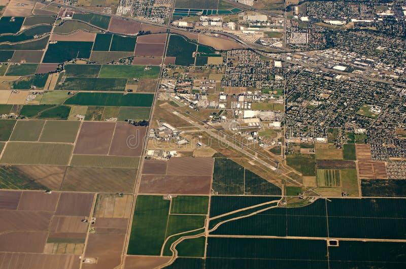 Luchtmening van de gebieden van het landbouwgrondgewas in de V.S. stock foto's