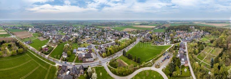 Luchtmening van de historische oude stad Liedberg in NRW, Duitsland stock fotografie